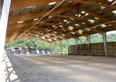 Le manège de 60 x 20 m - Les Écuries du Vallon